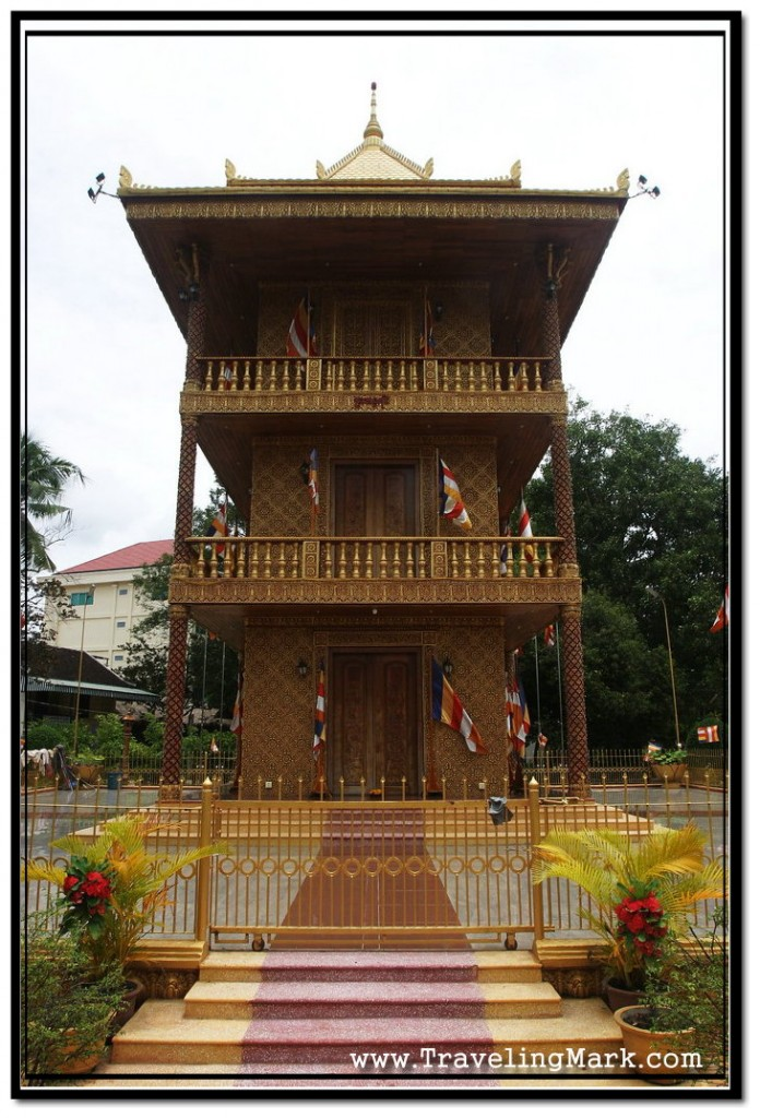 Photo: Central Gold Pagoda of Wat Damnak
