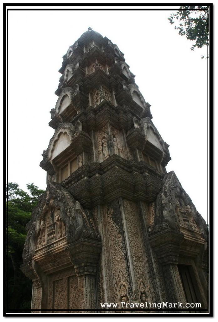 Photo: Wat Damnak Cetral Stupa