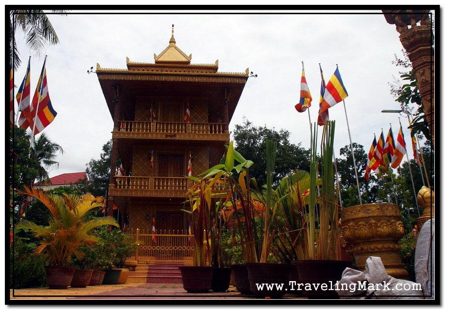 Photo: Central Pagoda of Wat Damnak has Golden Finish