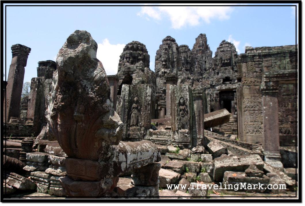 http://www.travelingmark.com/wp-content/uploads/2010/05/lone-naga-serpent-head-bayon.jpg