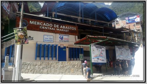 Photo: Building Housing Mercado de Abastos in Aguas Calientes